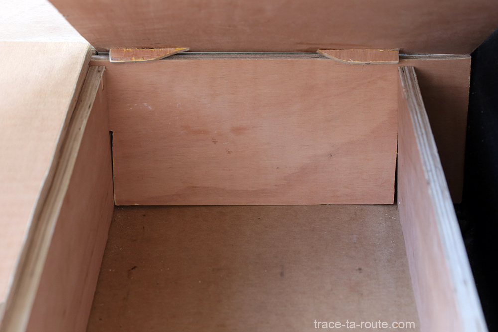 Bricolage : planche avec cales coffre aménagement break Dacia Logan MCV pour dormir dedans - Road Trip