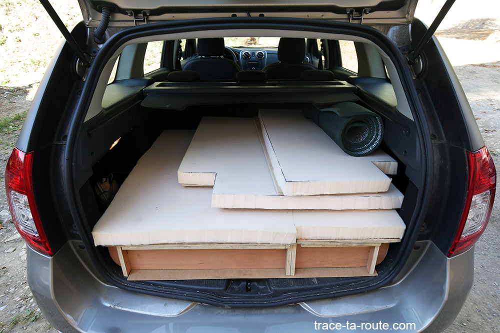 Bricolage : aménagement coffre break Dacia Logan MCV pour dormir dedans - Road Trip