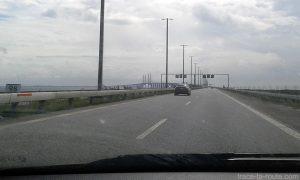 Route E20 et avec Pont Öresundsbron reliant la Suède au Danemark (Malmö-Copenhague) sur le détroit Öresund - Road Trip