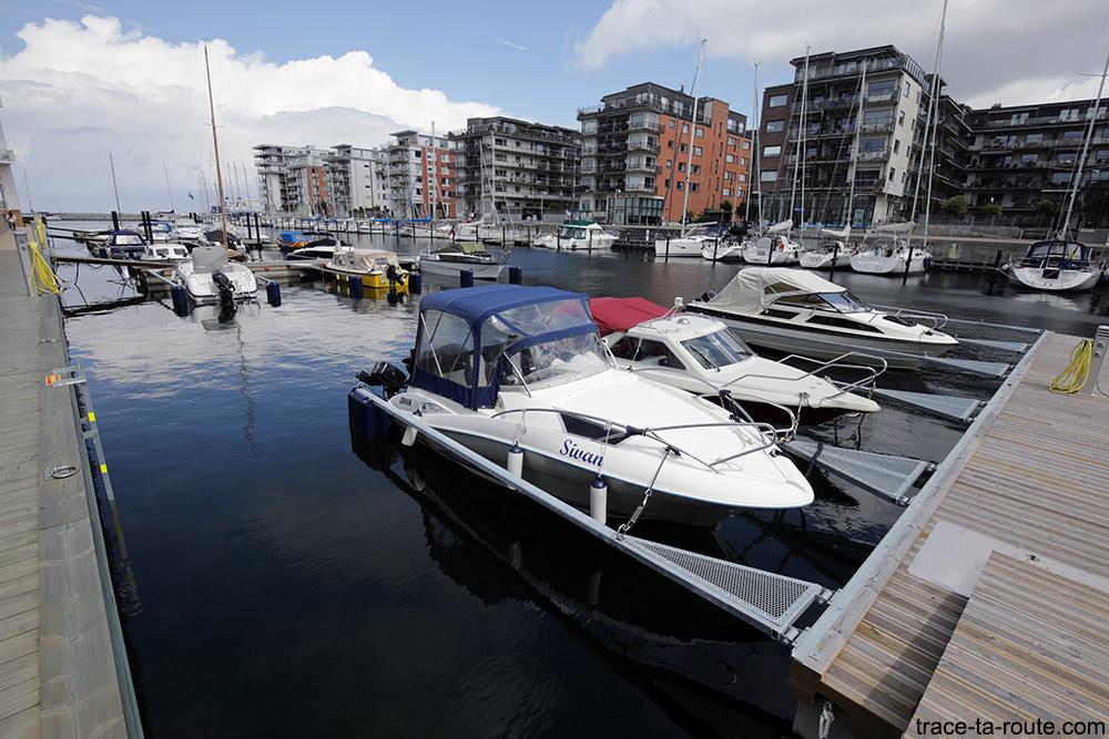 Dockan Marina à Västra Hamnen à Malmö en Suède