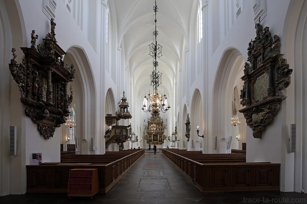 Nef intérieur Église Saint-Pierre de Malmö, Suède (Sankt Petri Kyrka)
