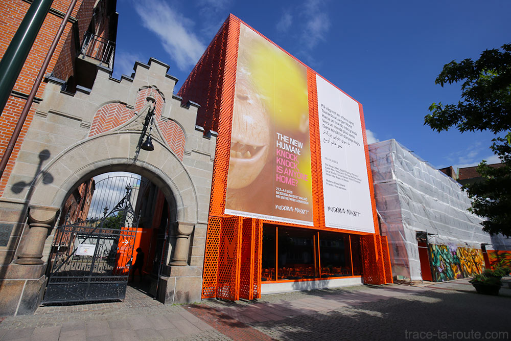 """Façade extérieure Musée d'Art Moderne de Malmö """"Moderna Museet"""" en Suède"""