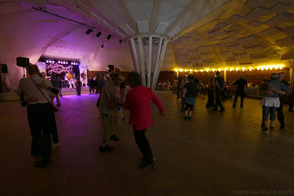 Danse au bal Brändan au Folkets Park de Malmö, Suède