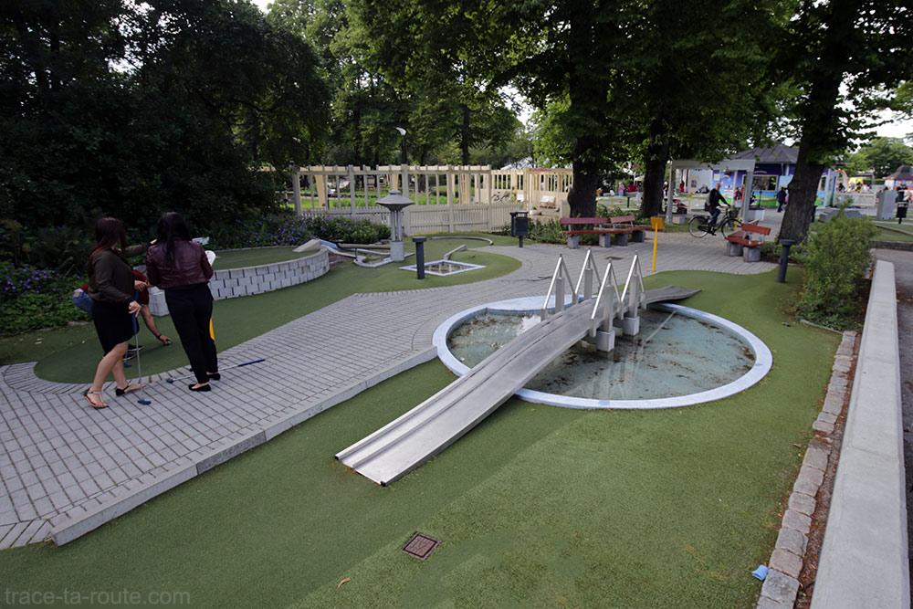 Parcours de mini-golf au Folkets Park de Malmö, Suède