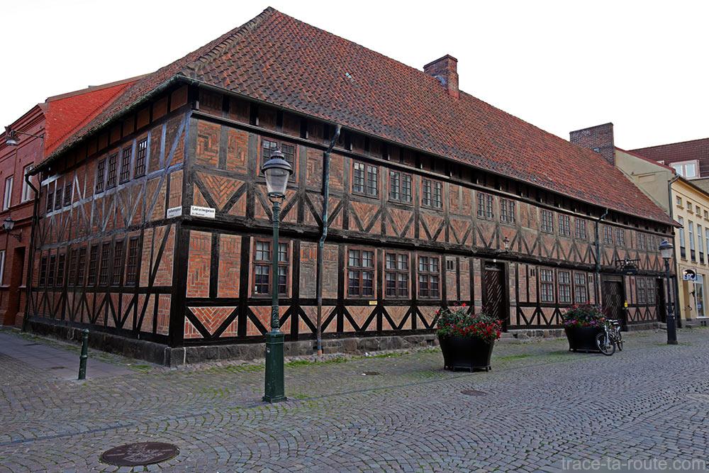 Maison à colombage sur la Place Lilla Torg de Malmö en Suède