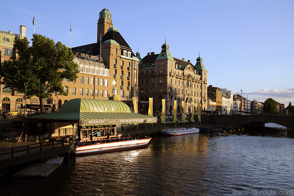 Savoy hôtel et canal de Malmö en Suède