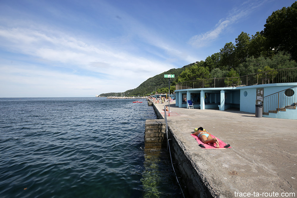 Plage de Trieste sur la viale Miramare