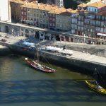 Vue sur les quais de la Ribeira depuis un Pont - Porto