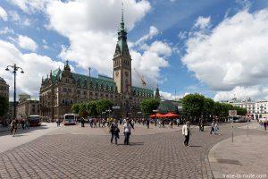 Place de l'Hôtel de Ville Rathaus d'Hambourg, Allemagne