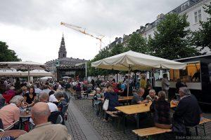 Terrasse sur la place Højbro Plads lors d'un concert du Copenhagen Jazz Festival, Danemark