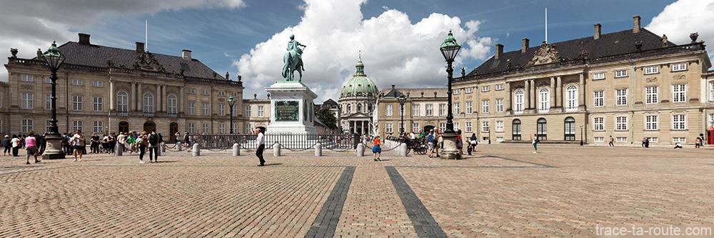 Place Amalienborg à Copenhague, Danemark