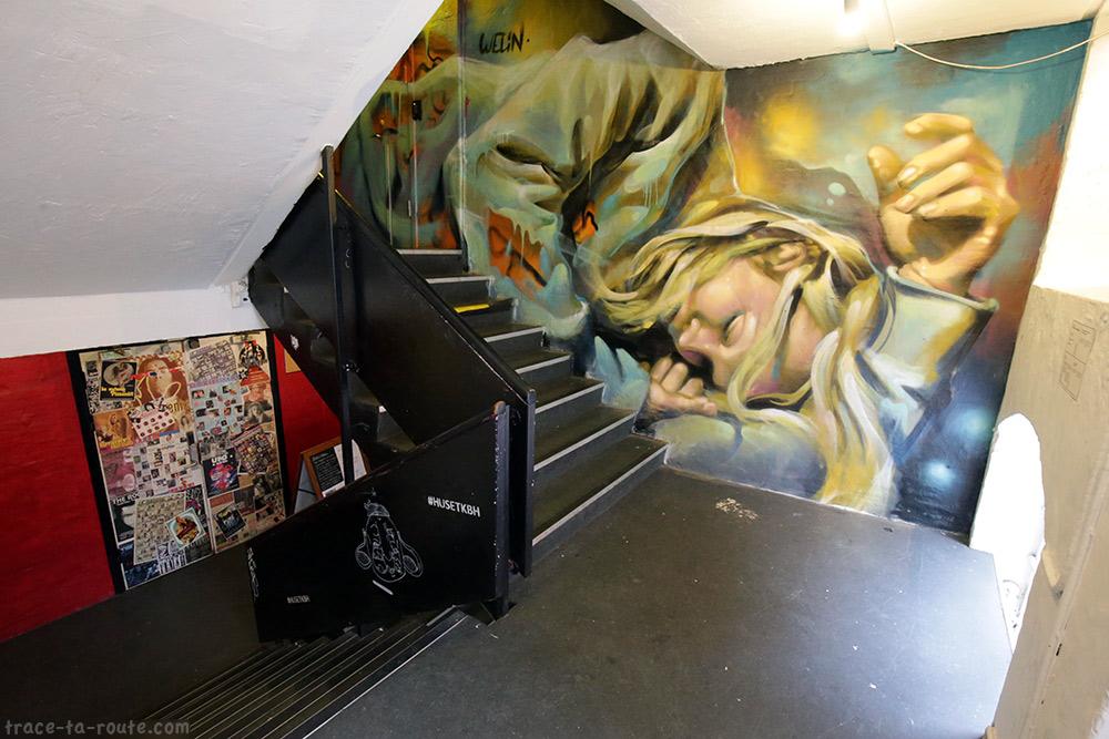 Fresque dans les escaliers de Huset KBH de Copenhague, Danemark