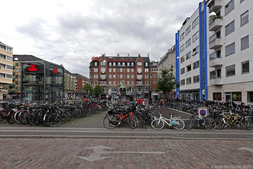 Place Christianshavn Torv dans le quartier Christiana à Copenhague, Danemark