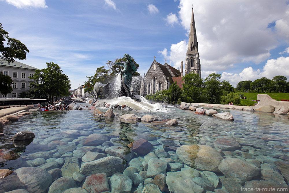 Fontaine Gefionspringvandet et Église Saint-Alban à Kastellet - Copenhague, Danemark