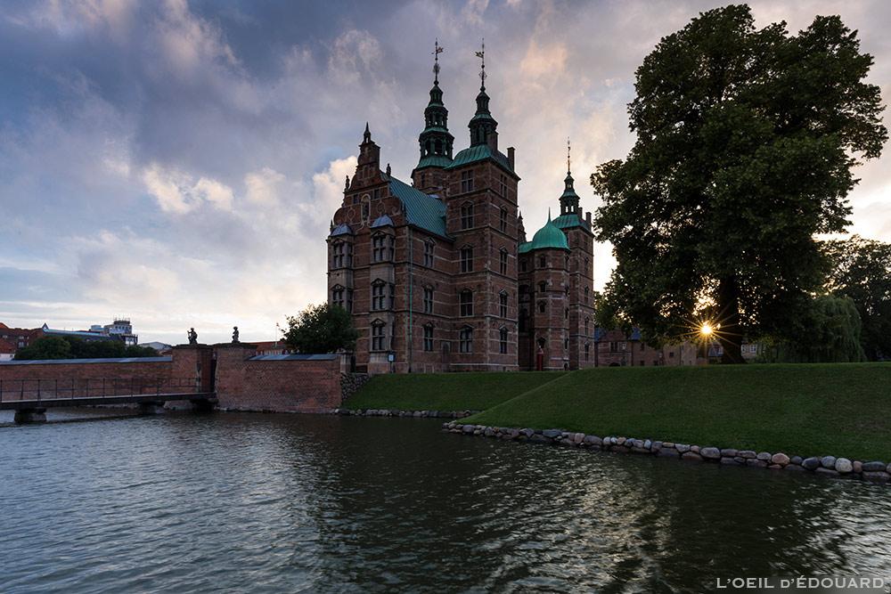 Château Rosenborg Slot dans le parc Kongens Have de Copenhague, Danemark © L'Oeil d'Édouard