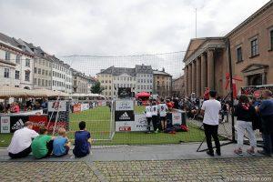 Animation tournoi de foot Coca-Cola, Adidas, Hyundai sur la place Nytorv de Copenhague pour la finale de l'Euro 2016