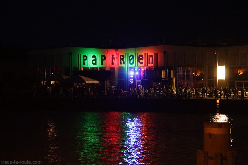 Papirøen Copenhagen Street Food de nuit le soir à Copenhague, Danemark