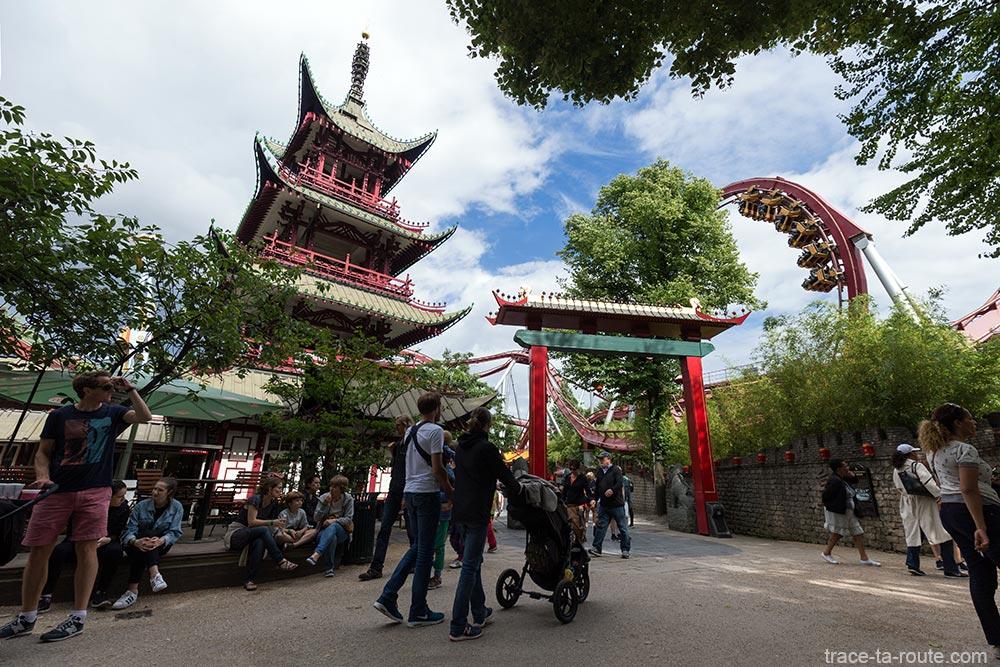 Ch teau chinois aux jardins de tivoli gardens copenhague for Jardin tivoli