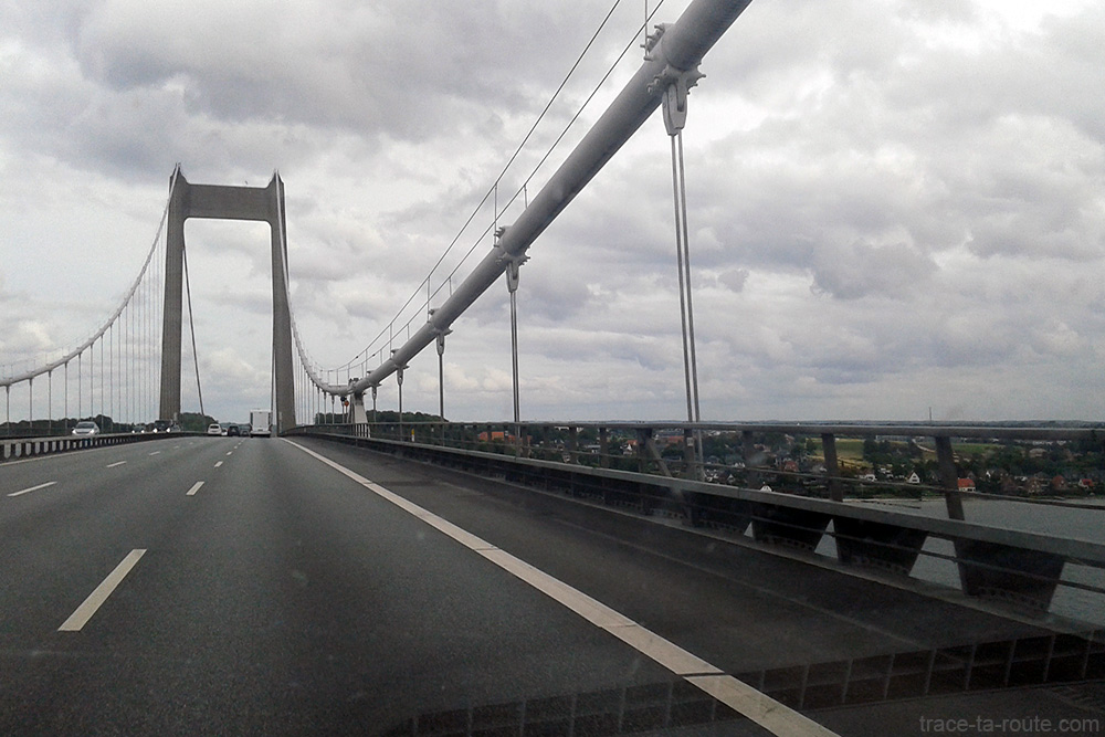 Pont suspendu Den Nye Lillebaeltsbro durant le road trip au Danemark