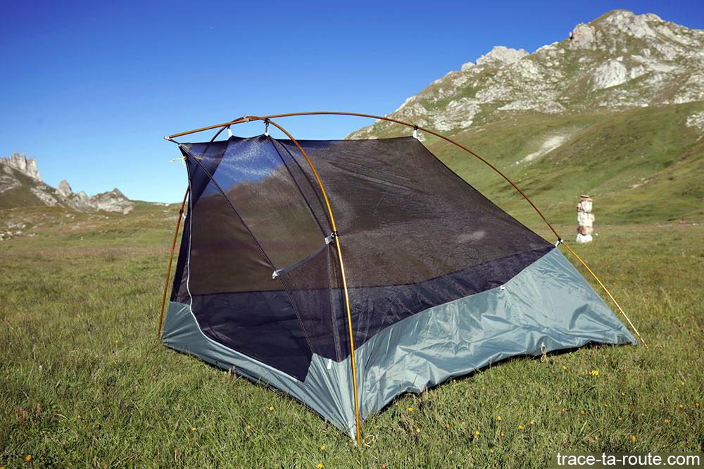 Tente Ghost 2 UL Mountain Hardwear - montage filet toile intérieure ultra-légère avec arceaux en aluminium