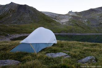 Tente Ghost 2 UL Mountain Hardwear - bivouac aux Lacs Sainte-Catherine vers le Refuge du Mont Thabor (Maurienne)