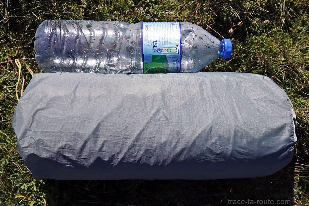 Tente Ghost 2 UL Mountain Hardwear - volume de la tente dans sa housse de rangement