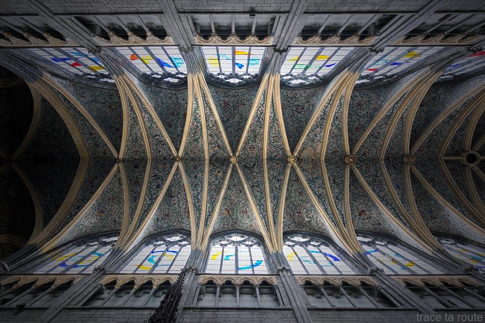 Rinceaux Plafond de la Nef de la Cathédrale Saint-Paul de Liège, intérieur