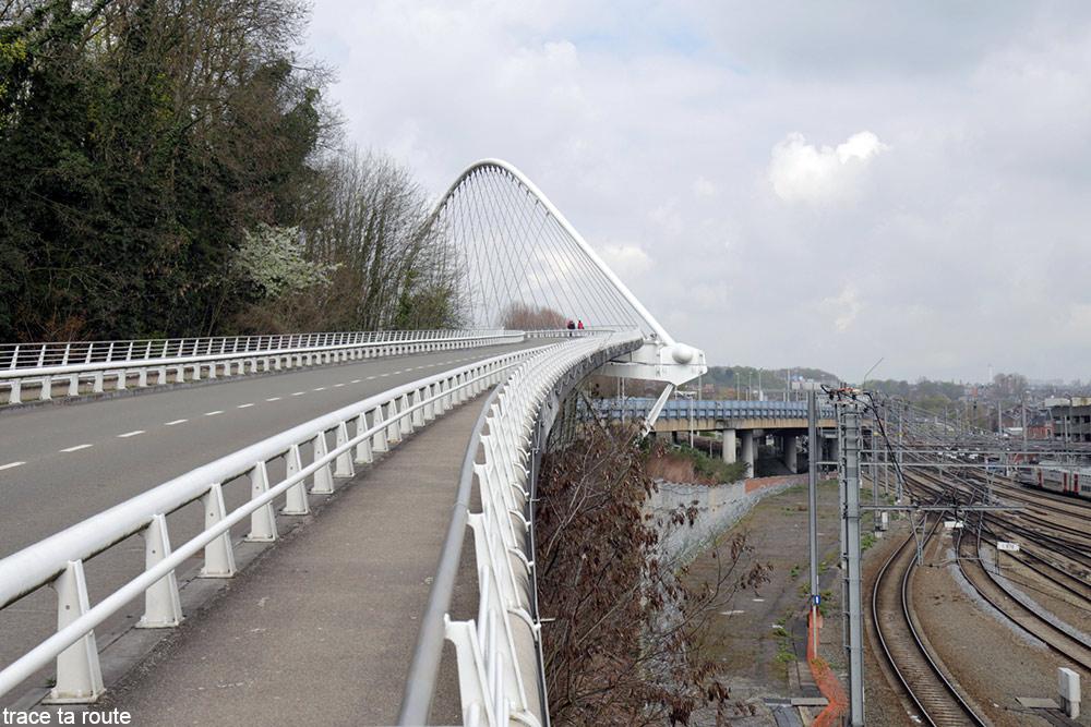 Architecture Gare des Guillemins Liège - Santiago Calatrava - pont