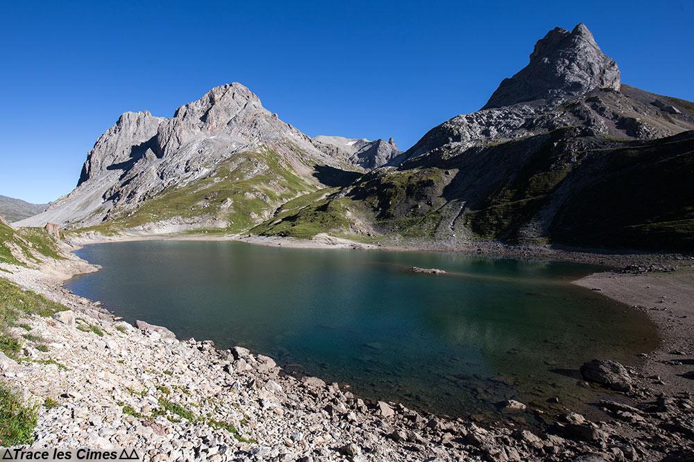 Lac du Grand Ban et Pointe des Banchets sur le Tour du Mont Thabor