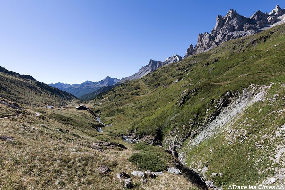 Vallée de la Clarée avec le Refuge des Drayères - Tour du Mont Thabor