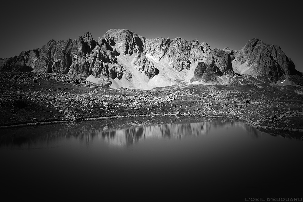 Lac Rond, Crête des Rochers Marions avec la Pointe des Cerces - Tour du Mont Thabor © L'Oeil d'Édouard
