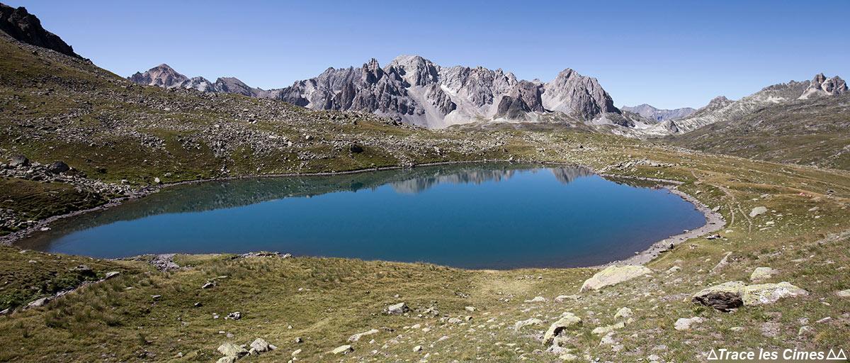Lac Rond, Crête des Rochers Marions avec la Pointe des Cerces - Tour du Mont Thabor