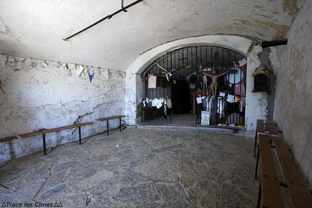 Intérieur autel Chapelle du Mont Thabor - Trek Tour du Mont Thabor