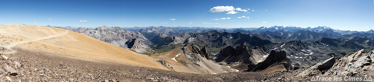 Vue panoramique au Sommet du Mont Thabor
