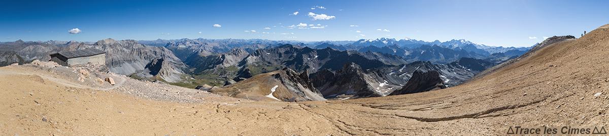 Vue au Sud au sommet du Mont Thabor : Hautes-Alpes