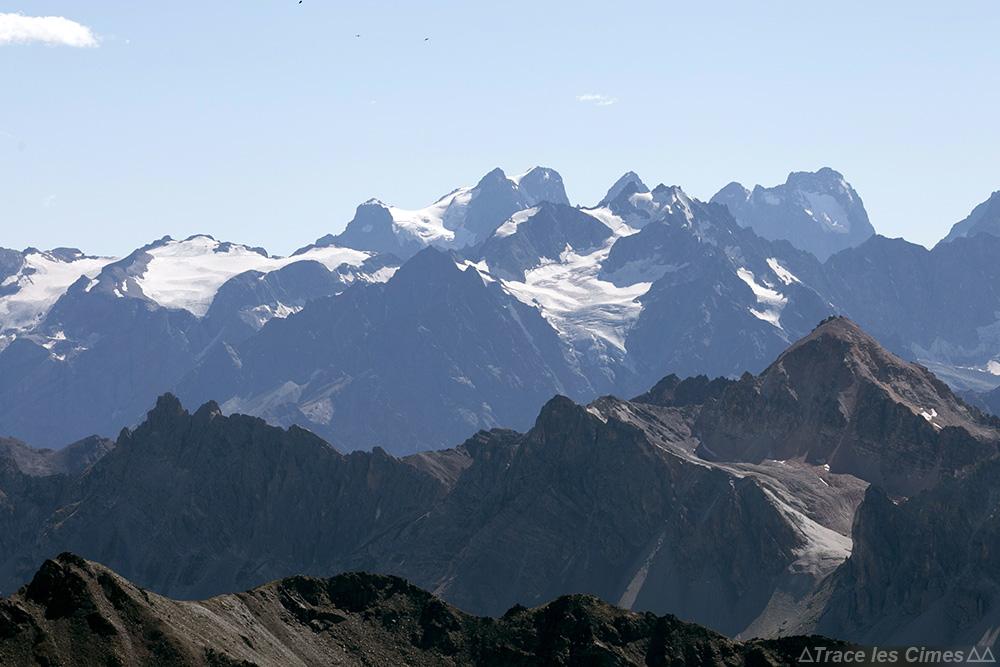 Les Agneaux et le Mont Pelvoux, vus depuis le sommet du Mont Thabor