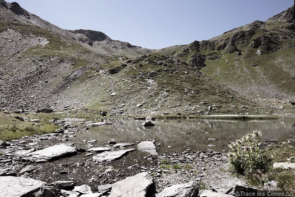 Lac itinéraire randonnée Col des Marches sur le trek du Tour du Mont Thabor