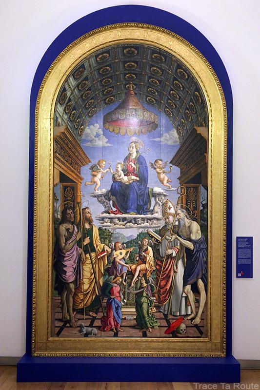 Vierge à l'Enfant sur le trône avec Saint-Jean-Baptiste, Saint-Jean, Saint-Jérôme, Saint-Hughes et les anges (1498) Macrino d'Alba - Galleria Sabauda Palazzo Reale Turin