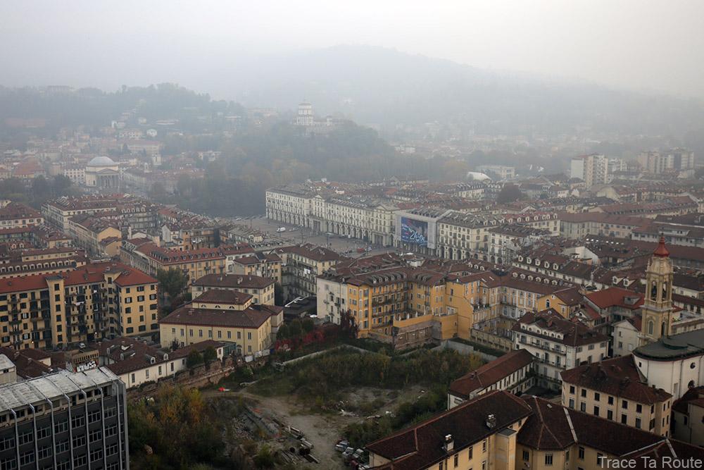 Vue sommet flèche Mole Antonelliana Musée du Cinéma de Turin - Museo Nazionale del Cinema Torino : Piazza Vittorio Veneto