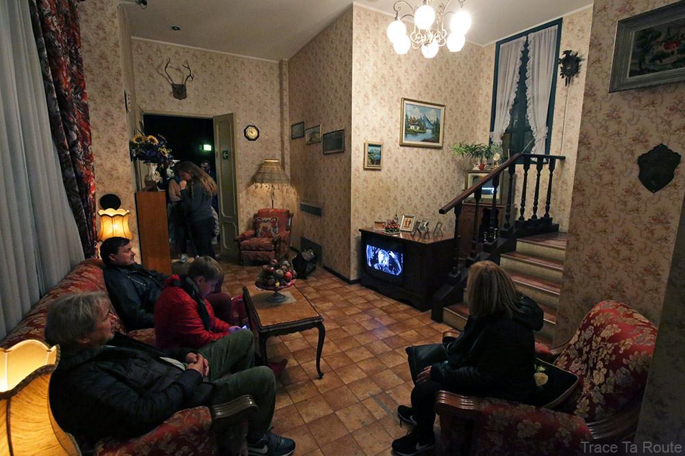 Intérieur Musée du Cinéma de Turin Mole Antonelliana Museo Nazionale del Cinema Torino - salle salon tv