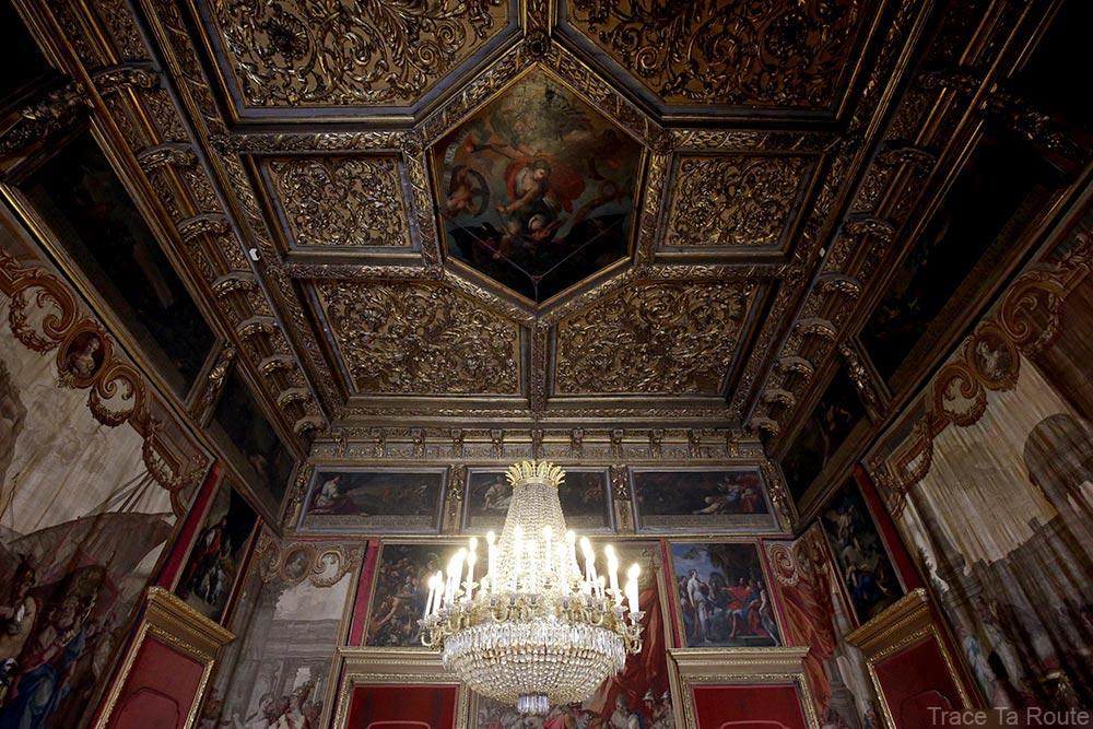 Palazzo Reale Turin - plafond décoré intérieur salle du Palais Royal