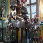 Palazzo Reale Turin - Mannequins armures et cheval de la salle d'armes Armeria Reale du Palais Royal