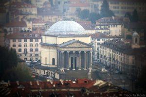 Église Chiesa della Gran Madre de Dio à Turin vue depuis la terrasse du la Mole Antonelliana
