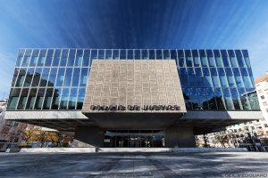 Architecture - Façade extérieure du Palais de Justice d'Annecy © L'Oeil d'Édouard