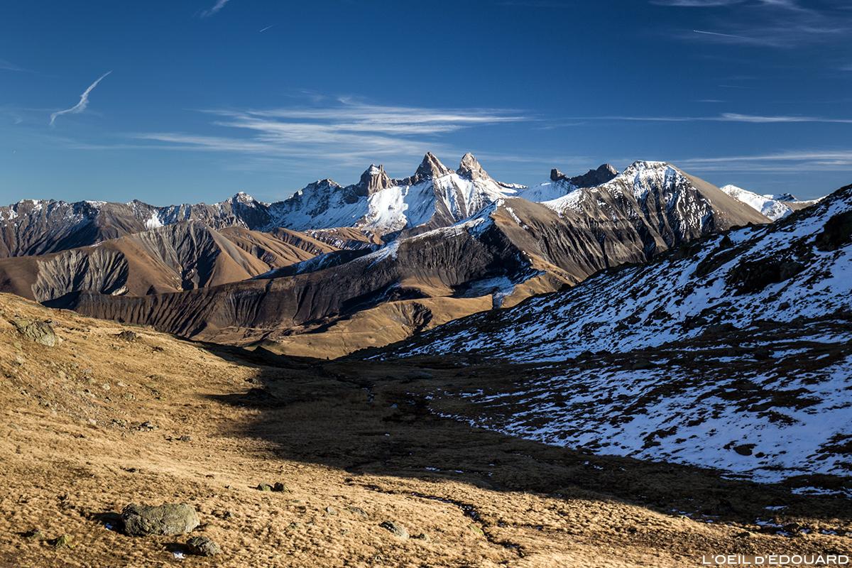 Les Aiguilles d'Arves depuis le Lac Blanc - Maurienne Savoie © L'Oeil d'Édouard