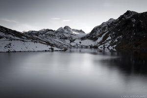 Lac Blanc avec le Glacier de Saint-Sorlin, la Cime du Grand Sauvage et le Pic de l'Étendard - Maurienne Savoie