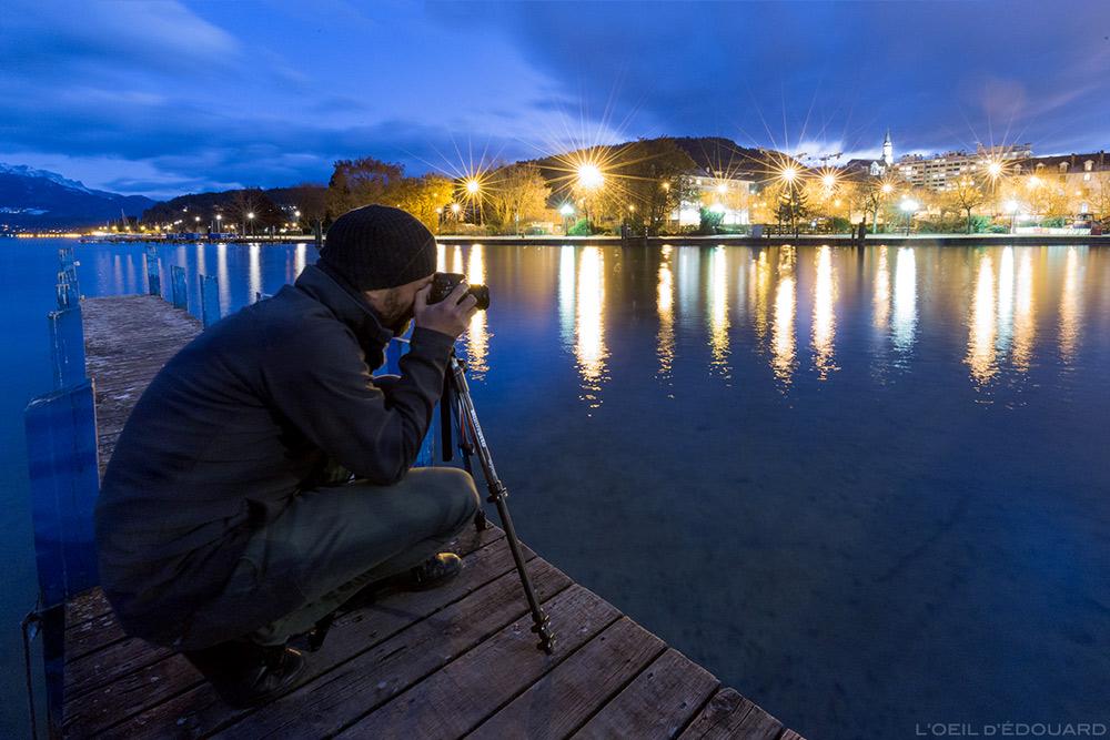 Test Utilisation du trépied photo Befree Manfrotto en carbone, au bord du Lac d'Annecy de nuit © L'Oeil d'Édouard