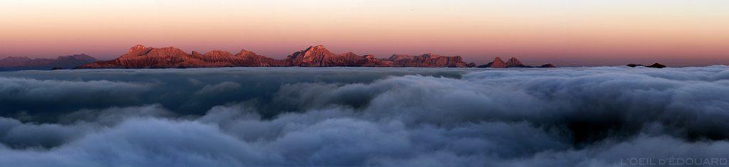 Mer de nuages sur le Trièves et coucher de soleil sur l'Obiou depuis le sommet du Mont Aiguille (Vercors) © L'Oeil d'Édouard