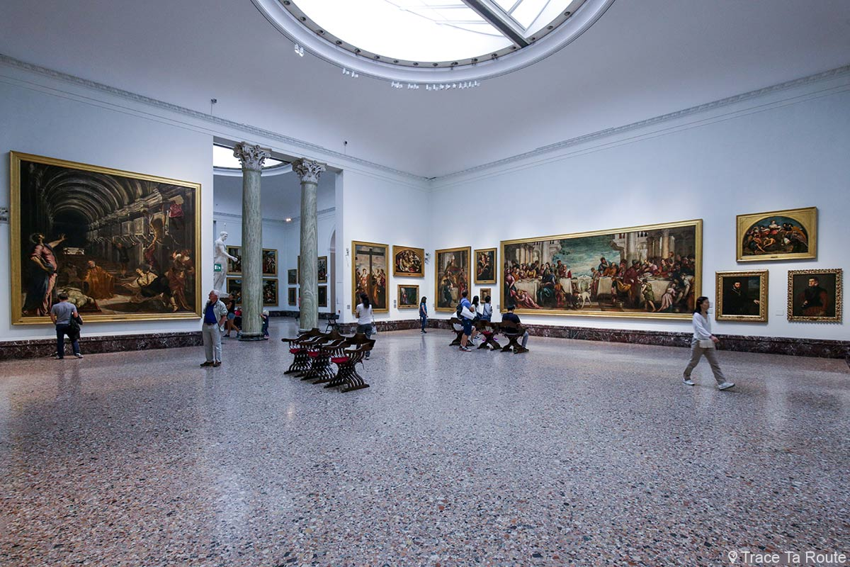 Salle exposition Musée Pinacothèque de Brera de Milan - Peintures XVIe siècle : Tintoret, Véronèse, Lotto, Titien