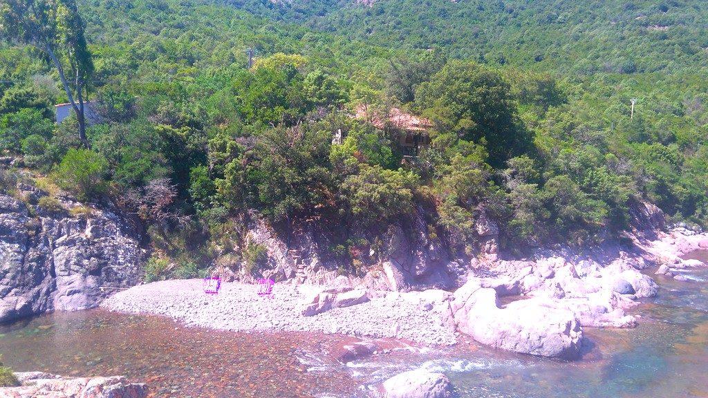 Maison cachée, avec accès privé et transat directement le long de la rivière du Fango. Tra Mare e Monti entre Tuarelli et Galeria. Corse